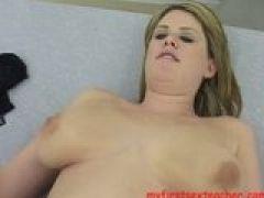 Grosse Titten vom Student gefickt